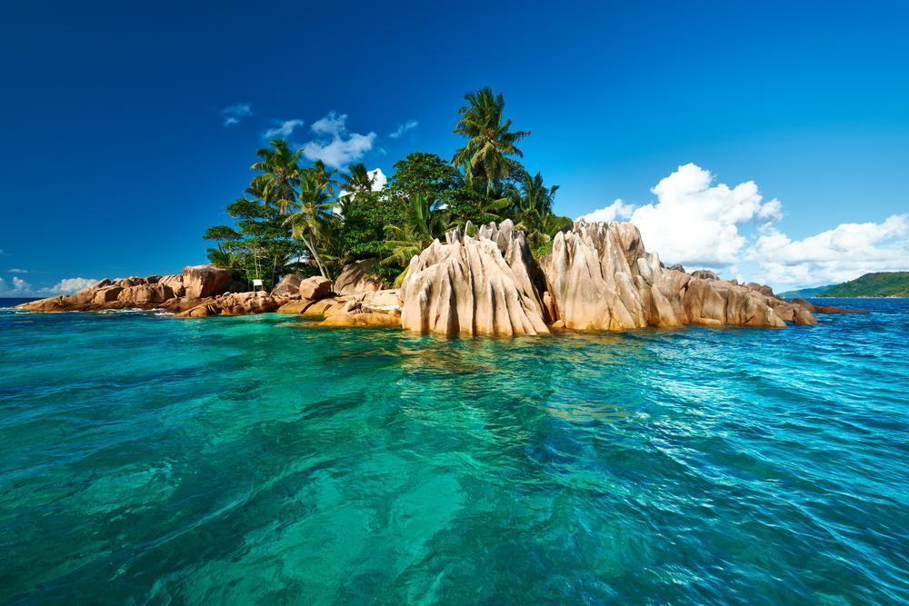 Blick auf die Insel St. Pierre auf den Seychellen