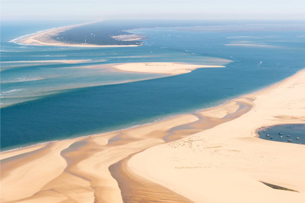 Blick auf die Banc d'Arguin im Becken von Arcachon aus der Vogelperspektive