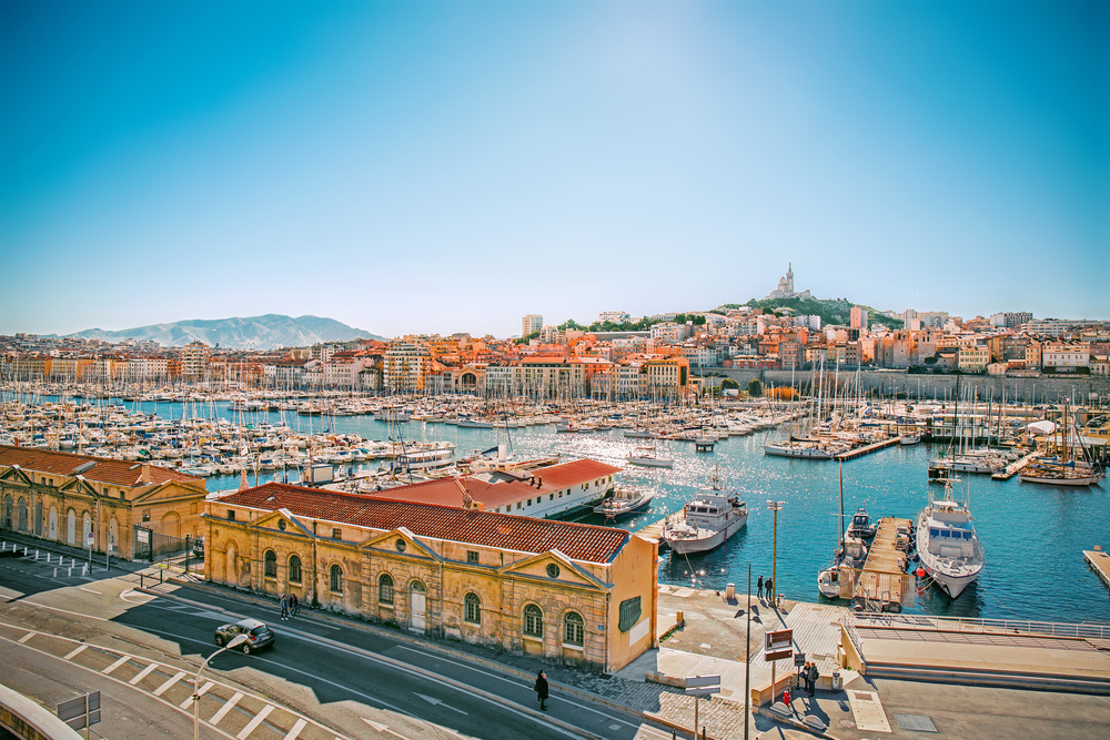 Panoramablick auf die Stadt Vieux Port, Marseille, Provence, Frankreich
