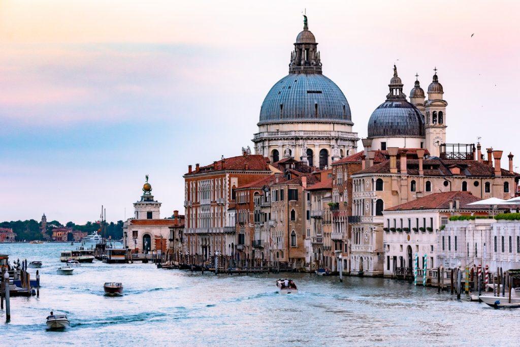 Blick auf historische Bauten von Venedig, Iatlien