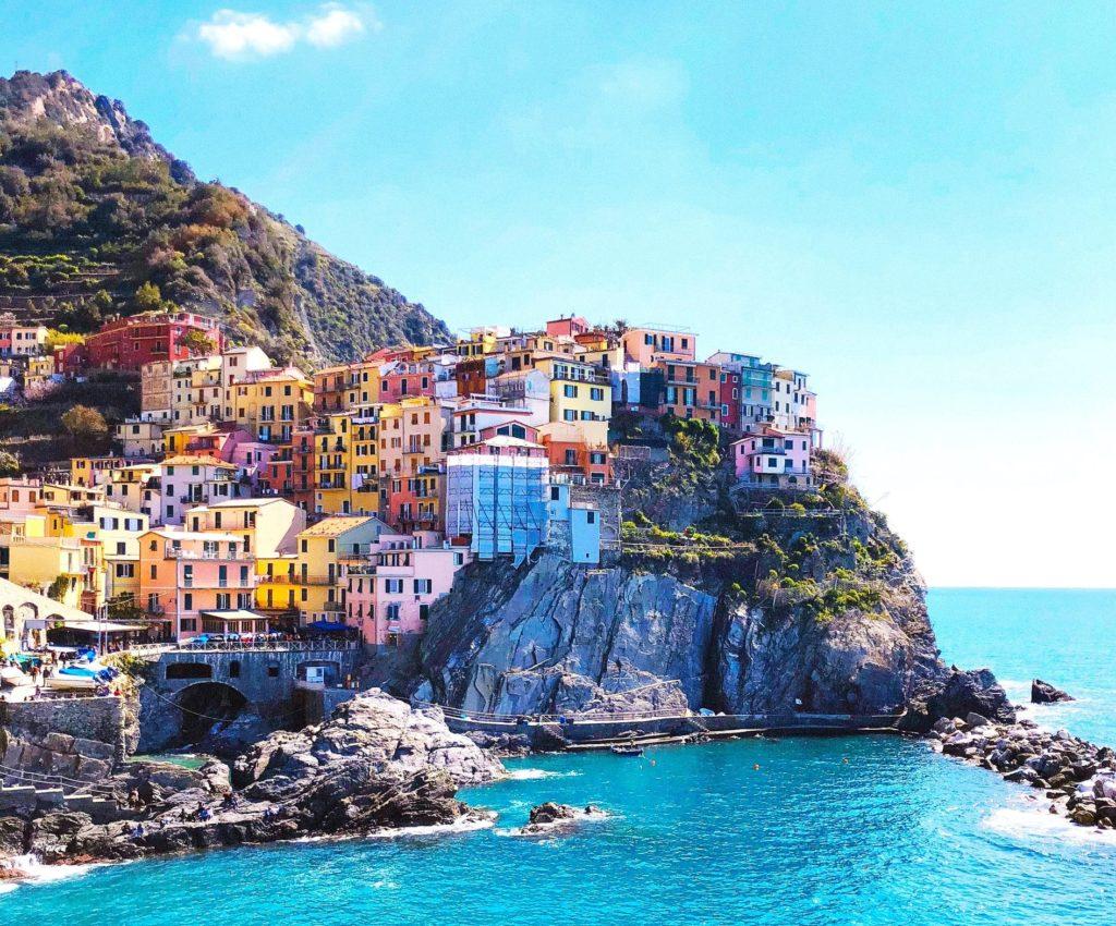 Blick auf das Dorf Manarola der Cinque Terre, Italien