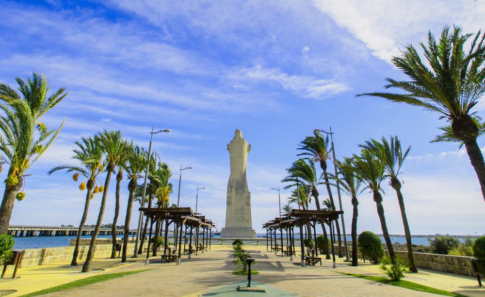 Statue des Seefahrers Christoph Kolumbus in Huelva, Spanien